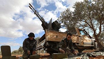 Боевики в районе Аль-Мушрифа в провинции Идлиб