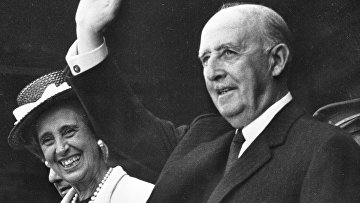 Кармен Поло с супругом Франсиско Франко