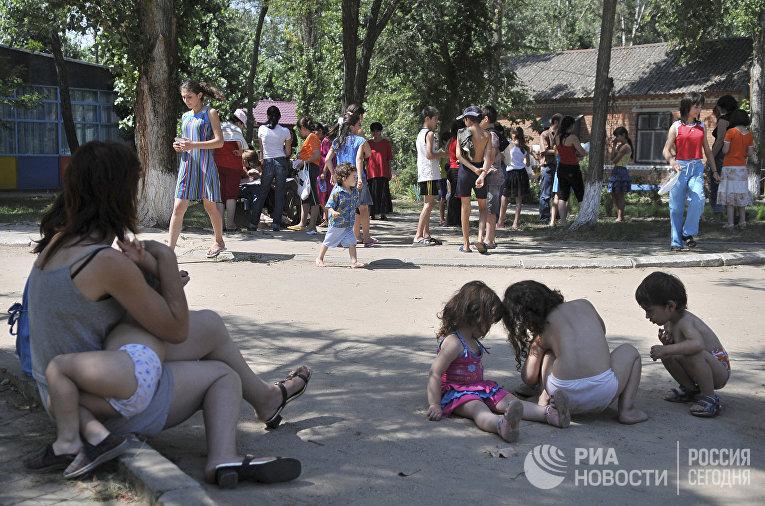 Беженцы из Южной Осетии в Ростовской области