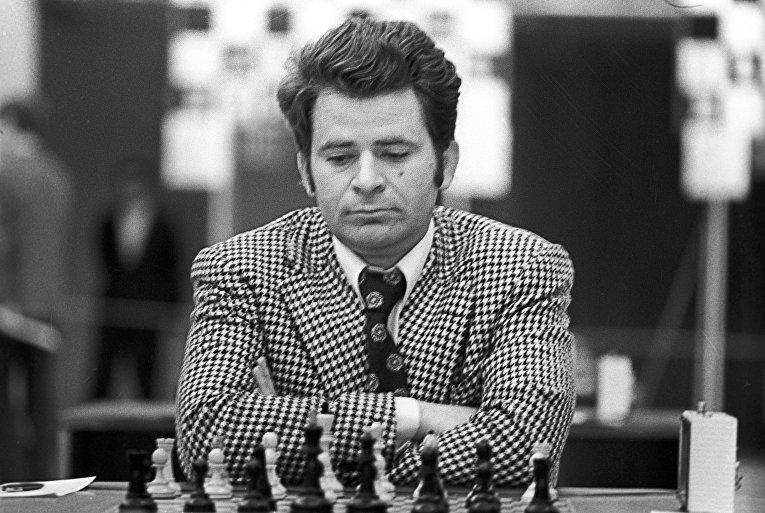 Борис Спасский