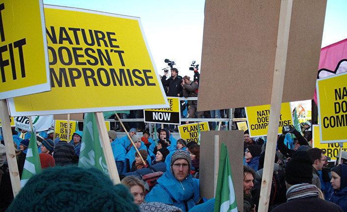 Участники протестов на саммите ООН по климату в Копенгагене в 2009 году