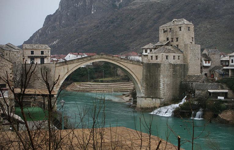 Вид на Старый Мост в Мостаре, Босния и Герцоговина