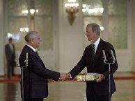 Президент СССР Михаил Сергеевич Горбачев и госсекретарь США Америки Джеймс Бейкер