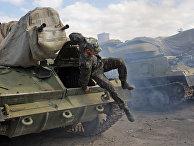 Украинские военные вывозят технику из Крыма