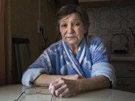 Фарханура Гаврилова своей квартире в деревне Кедровое, Россия