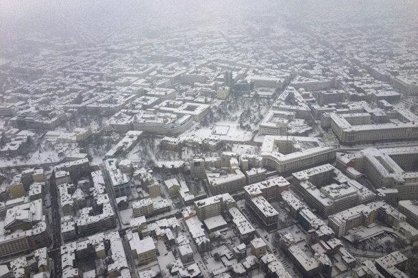Аэрофотоснимок запечатлел покрытые снегом здания в Софии, Болгария