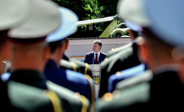 Петр Порошенко принял участие в торжествах по случаю выпуска в Университете обороны Украины