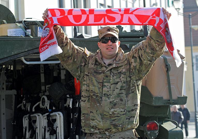 """Американский военный в Польше во время учений """"Атлантическая решимость"""""""
