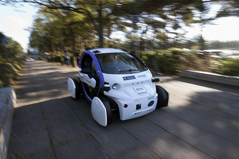 Автономный беспилотный автомобиль проходит испытания в Великобритании