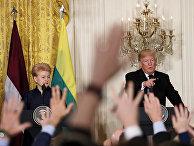 Совместная пресс-конференция президента США Дональда Трампа и президента Литвы Дале Грибаускайте