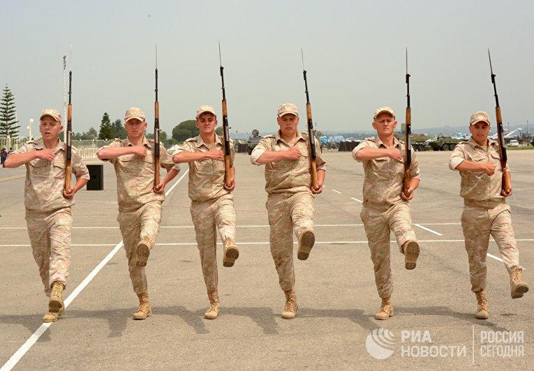 Репетиция парада Победы на авиабазе Хмеймим в Сирии