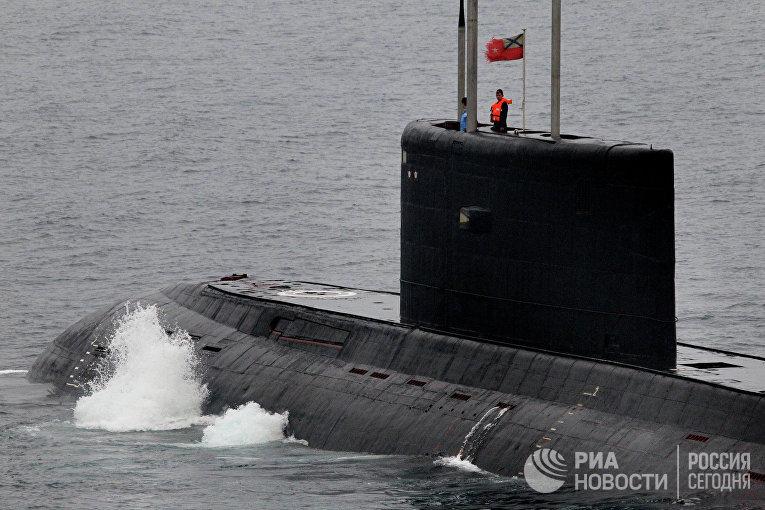 """Дизельная подводная лодка класса """"Варшавянка"""""""