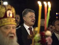 Президент Украины Петр Порошенко в монастыре в Киеве