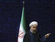 Президент Ирана Хасан Рухани выступает на церемонии, посвященной Дню ядерных технологий