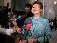 Вайра Вике-Фрейберга на избирательном участке по выборам в Европарламент