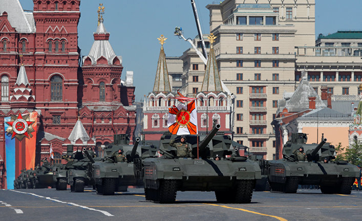 Танки Т-14 «Армата» на военном параде