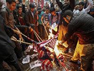 Антиамериканская акция протеста у здания бывшего посольства США в Тегеране