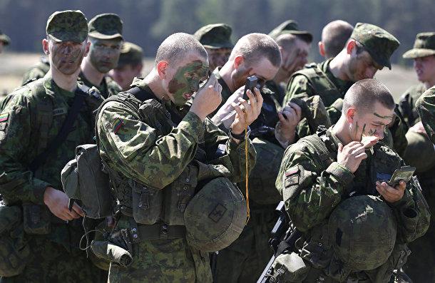 Солдаты литовской армейской мотострелковой бригады «Железный Волк»