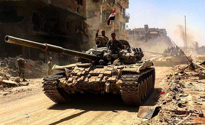 """Бойцы сирийской армии в освобожденном лагере палестинских беженцев """"Ярмук"""" на юге Дамаска"""