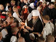Митрополит Онуфрий во время пасхальной службы в Киеве