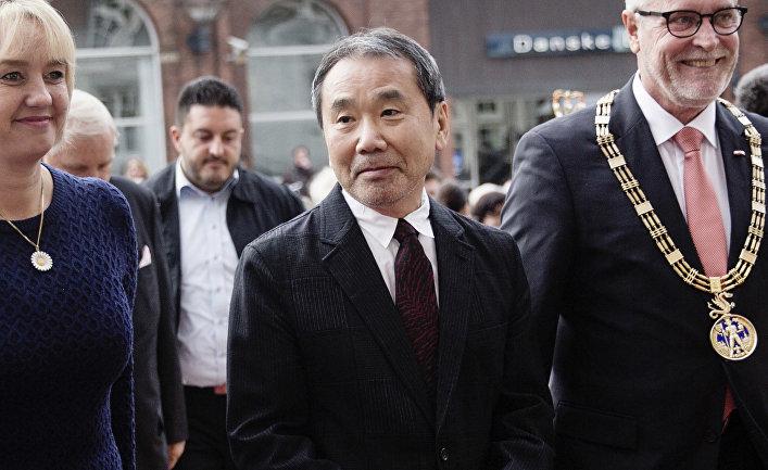Японский писатель Харуки Мураками
