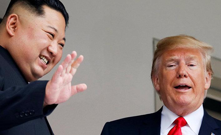 Лидер КНДР Ким Чен Ын и президент США Дональд Трамп во время встречи в Сингапуре
