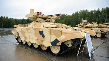 """Т-72 (БМПТ) """"Терминатор"""" на выставке приуроченной к празднованию Дня Танкиста"""