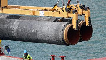 В порту Визби на острове Готланд идет подготовка к прокладке труб газопровода по дну Балтийского моря