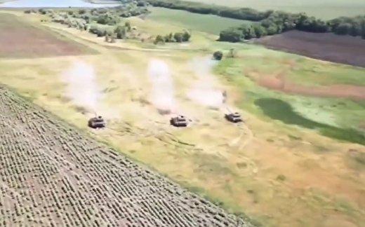 Мощный танковый прорыв на Донбассе