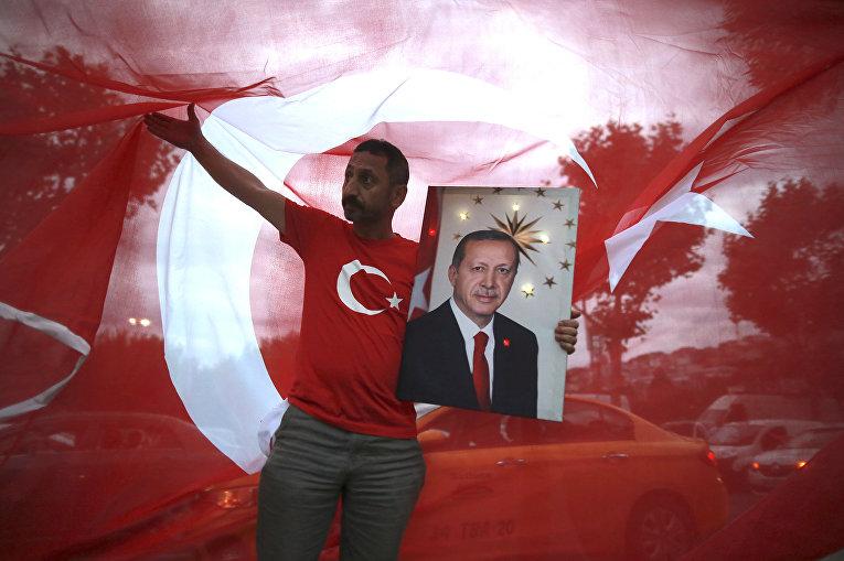 Митинг сторонников Реджепа Тайипа Эрдогана в Стамбуле