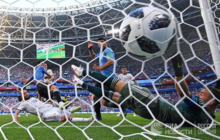 Футбол. ЧМ-2018. Матч Уругвай - Россия