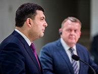 Премьер-министр Дании Ларс Локке Расмуссен и премьер-министр Украины Владимир Гройсман