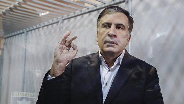 Бывший президент Грузии Михаил Саакашвили в зале суда в Киеве, Украина