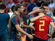 Игроки сборной Испании после матча 1/8 финала чемпионата мира по футболу между сборными Испании и России. 1 июля 2018