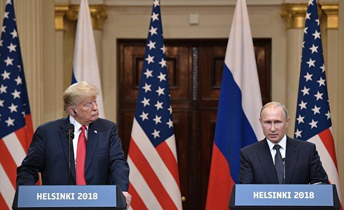 Президент РФ Владимир Путин и президент США Дональд Трамп на пресс-конференции по итогам встречи в Хельсинки