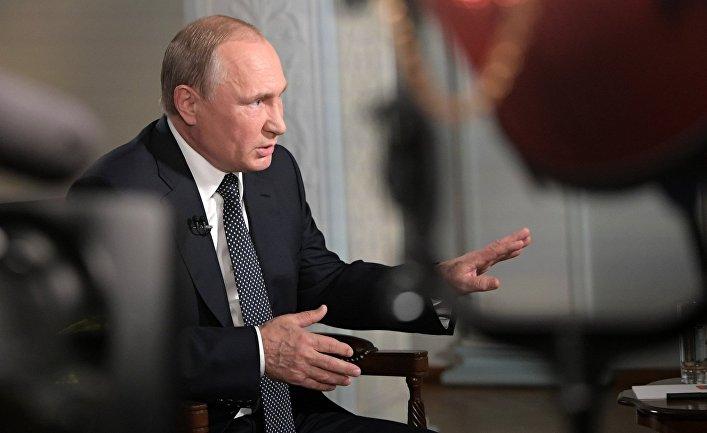 Президент РФ Владимир Путин во время интервью Fox News в Хельсинки. 16 июля 2018