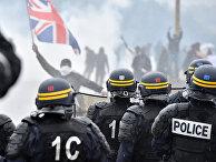 Столкновения с французской полицией в лагере «Джунгли» во французском портовом городе Кале