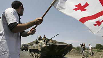 Российские танки у города Игоэти в 50 км от Тбилиси