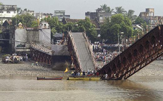 Индия: 28 августа при обрушении моста в Дамане на западе страны погибли более 20 человек