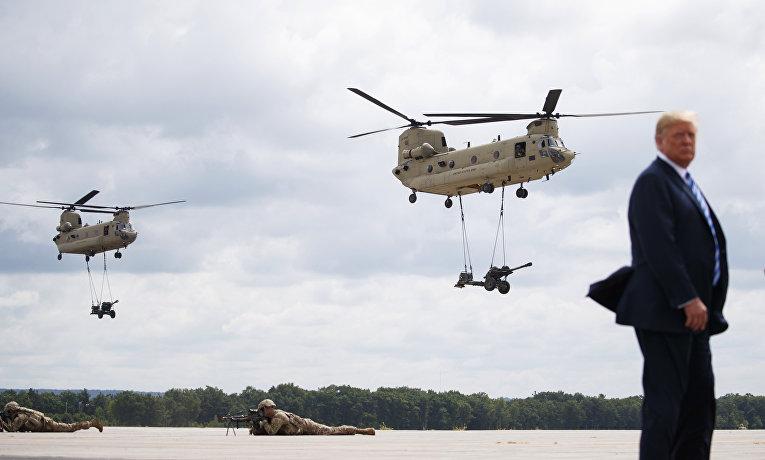 Президент США Дональд Трамп на военной базе Форт-Драм в штате Нью-Йорк. 13 августа 2018