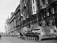 Советские танки в Риге