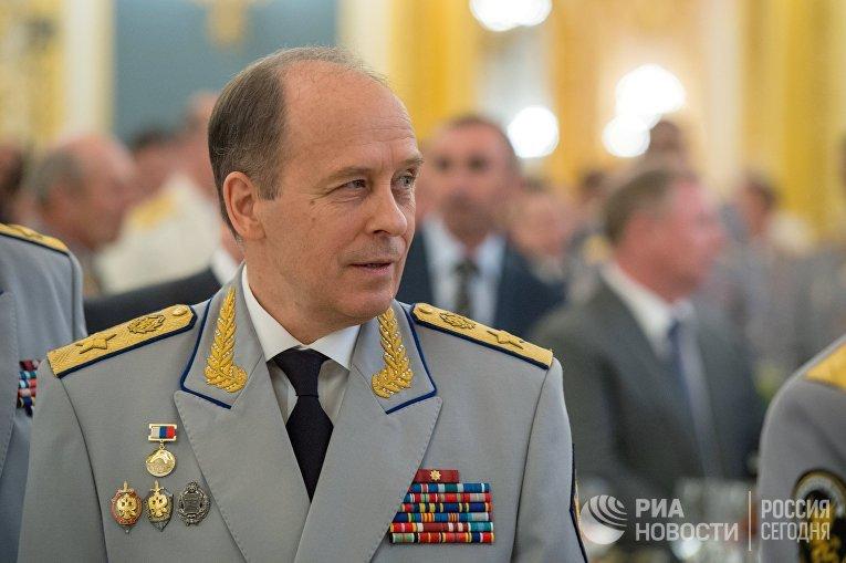 Президент РФ В. Путин встретился с выпускниками высших военных учебных заведений