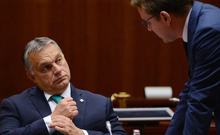 Премьер-министр Венгрии Виктор Орбан перед началом заседания Совета Европы в Брюсселе. 20 октября 2017