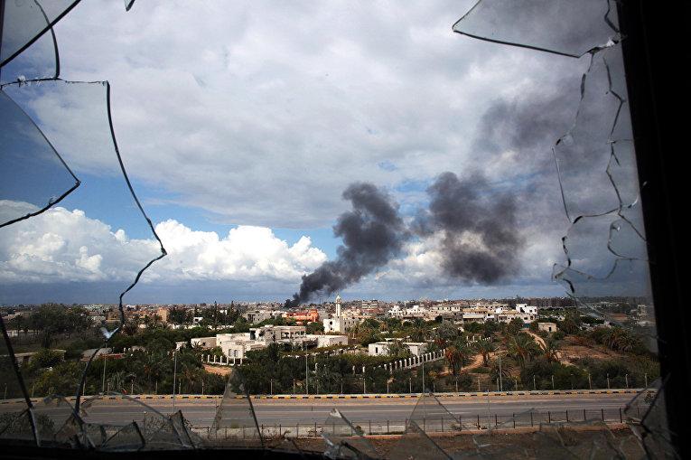 ым над городом Сирта во время гражданской войны в Ливии