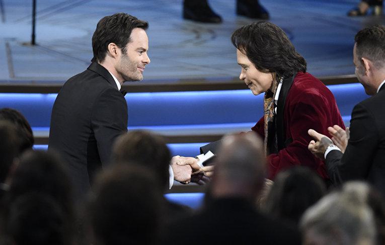 Тедди Перкинс (справа) и Билл Хадер на церемонии «Эмми» в Лос-Анджелесе