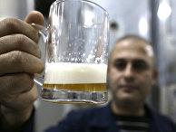 Производство пива на заводе в городе Сафита, Сирия