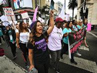 Участницы марша #MeToo в Голливуде