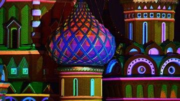 Покровский собор (Собор Василия Блаженного) с подсветкой во время церемонии открытия фестиваля Спасская башня
