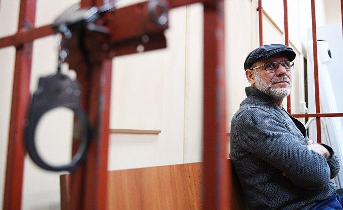 Бывший директор Гоголь-центра Алексей Малобродский в Басманном суде Москвы
