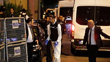 Турецкие полицейские в консульстве Саудовской Аравии в Стамбуле
